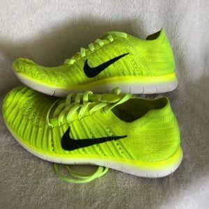 Nike Knit Free Run 4Y